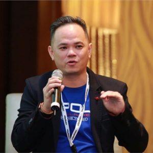 photo de Alvin Foo expert et influenceur de l'IA et la transformation numerique